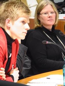 Sachverständig: Dr. Karin Schmidt, Rostock und Dr. Anna Kamisky, Stiftung SED-Unrecht (v.l.n.r.) -Foto: LyrAg