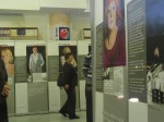 """Bis 31.01.2013 in Wiesbaden: Ausstellung """"Der dunkle Ort"""" - Die Frauen von Hoheneck -          Foto: LyrAg"""