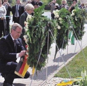 Bundespräsident Christian Wulff ehrte 2011 die Toten von Hoheneck - Foto LyrAg