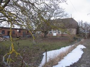 Unweit von der letzten Ruhestätte: Das Elternhaus in  Basse - Foto: LyrAg