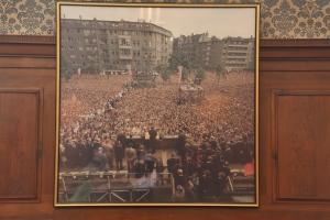 Im Kennedy-Saal im Rathaus Schöneberg Erinnerung an einen großen Tag -            Foto: LyrAg
