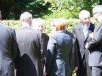 Angela Merkel und Norbert lammert im  Gespräch mit Hardy Firl und Horst Hertel, Veteranen des 17. Juni.