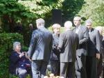 Angela Merkel im  Gespräch mit Geschäftsf. Joachim Fritsch; re. Andreas Voßkuhle, Präsident des Bundesverfass.Gerichtes