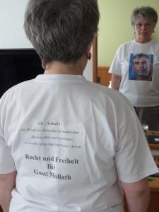 Auch die ehem. Hoheneckerin Tatjaan Sterneberg protestierte mit eigens kreiertem T-Shirt - Foto: LyrAg