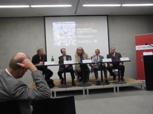 Von Links: Axel Klausmeier (von  hinten), Holger Kulick, Günther Goßler, Karol Sauerland, Werner Gumpel, Klaus Gronau Foto: LyrAg