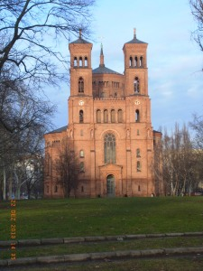 Vor fünfzig Jahren tödliche Schüsse hinter der Thomas-Kirche in  Kreuzberg - Foto: LyrAg