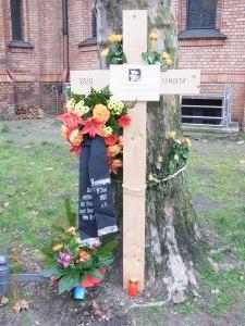 Von der Öffentlichkeit übersehen, von Zeitzeugen am Todestag geehrt: Paul Schultz - unvergessen. Foto: Lyrag