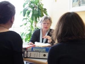 Auifnahmen in der BStU: Tatjana Sterneberg und die Akten - Foto: LyrAg