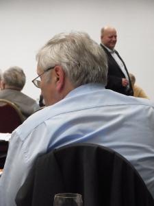 """VOS-Chef Rainer """"Egal, wer unter mir Vorsitzender ist."""" Hugo D. (re. in (Fiedrichroda 2014) kann auch nach dem jüngsten Termin lachen... - Foto: LyrAg"""