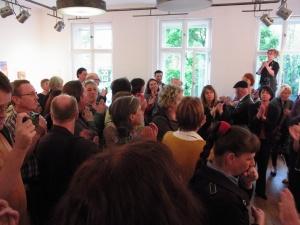 Grosser Andrang zur Ausstellungseröffnung - Foto: LyrAg