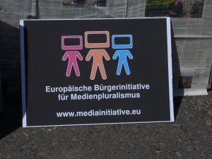 Die europäische Initiative hatte zur Demo am Tag der Pressefreiheit aufgerufen - Foto: LyrAg