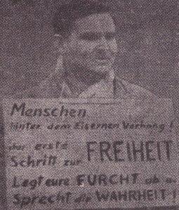 Prophetische Forderung: Zutshi 1960 auf dem Alexanderplatz in Ostberlin - Foto: Archiv