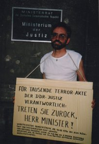 Nach sechs Tagen Hungerstreik trat Kurt Wünsche zurück - Foto: LyrAg