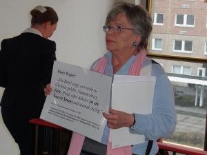 Noch im Januar hatte dieehemalige Hoheneckerin Tatjaan Sterneberg engagierten Protest wider das Schweigen gegen Äußerungen Wagners in der einstigen Stasi-Zentrale vorgertagen - Foto: LyrAg