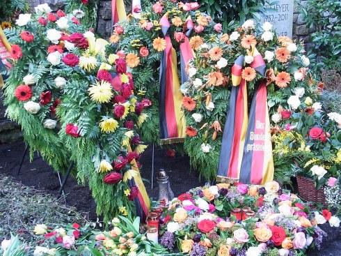 Abschied - Richard von Weizsäcker 15. 04.1920 in Stuttgart;  † 31. 01. 2015 in Berlin
