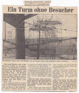 """Nach dem """"7-Uhr-Blatt"""" griff auch die Berliner Morgenpost das Thema auf. Im Hintergrund die Mauerschrift von C.W.Holzapfel: """"Trotz Mauer ein Volk"""" - Archiv: cwh"""
