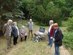 Synbolik: Inmitten einer Baustelle Erinnerung an die Helden in Strausberg