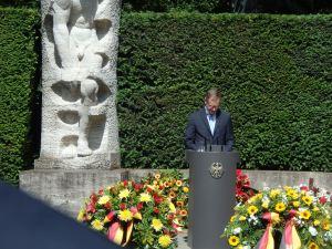 Gelungene erste Ansprache zum 17. Juni: Der Regierende Bürgermeister Michael Müller - Foto: LyrAg