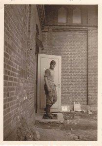 Gößeren Schaden verhinderten Diakone, wie Bruder Gebauer (Bild), die stets um Menschlichkeit bemüht waren - Foto: LyrAg