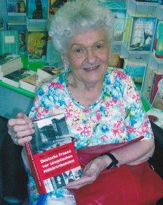 Annerose Matz-Donath präsentierte ihr Buch auch in der Buchhandlung Lindner - Foto: LyrAg