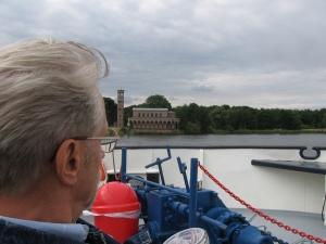 2008 auf einem Schiff; Claus hatte gelernt, kleine Freuden zu genießen - Foto: LyrAg
