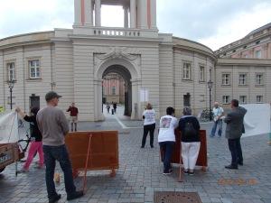 Nach dem Eklat im Ausschuss Demo vor dem Landtag . Foto: LyrAg