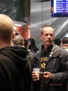 Der AntiFa-Kämpe Dirk Stegemann im Einsatz: Hauptbahnhof Berlin - Foto: LyrAg