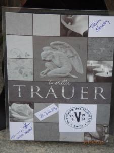 Traueranzeige vor der Bayerischen Vertretung in Berlin - Foto: LyrAg