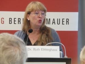 Ruth Ebbinghaus gab Einblick in die Anforderunge an eine Gutachter - Foto: LyrAg