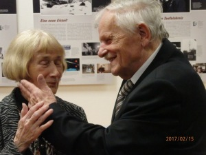 Zeitzeugen-Veteranen unter sich: Margot Jann und Horst Schüler - Foto: LyrAg