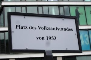 Nomen est omen? Auch am hstorischen Ort von 1953 wird protestiert - Foto: LyrAg